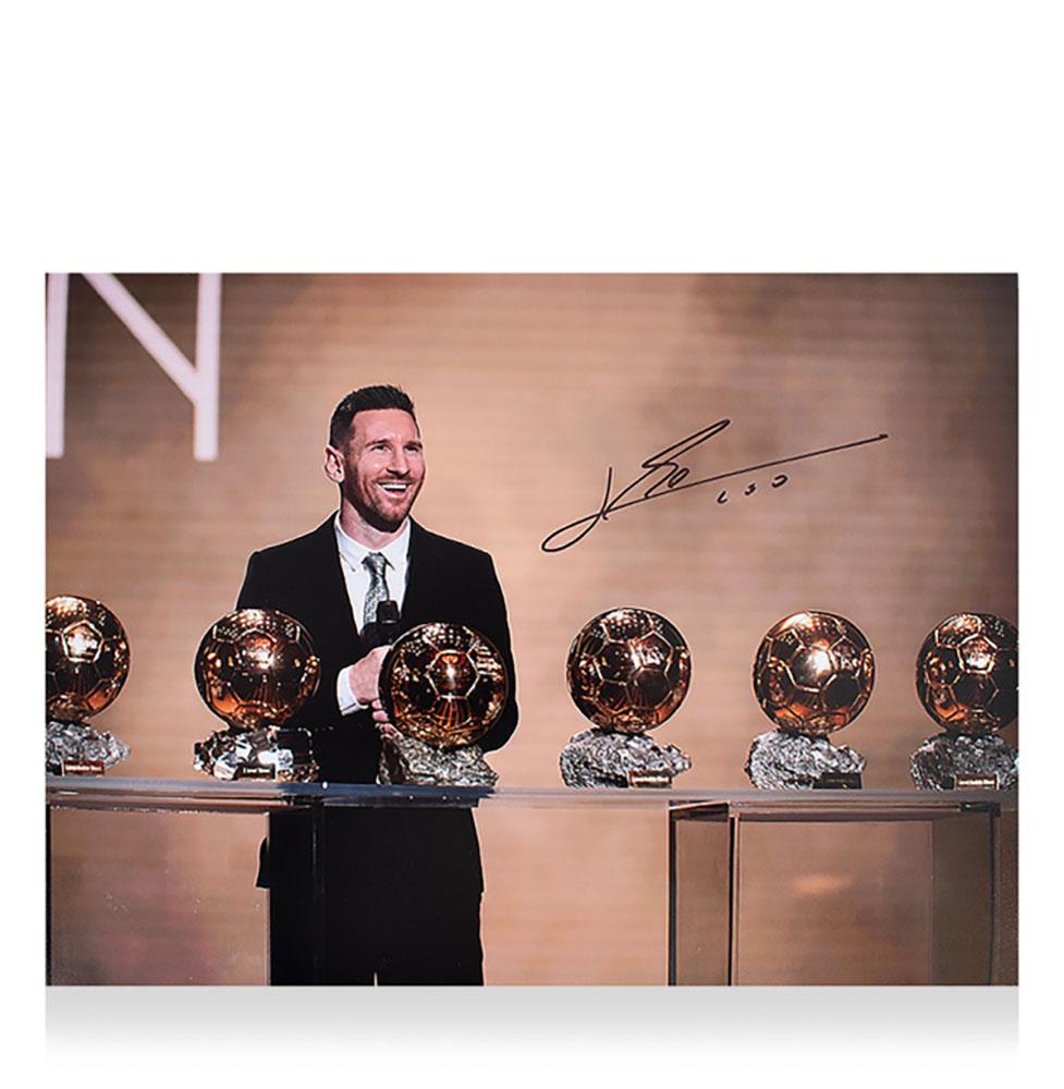 リオネル・メッシ 直筆サインフォト 6度のバロンドール受賞 (Lionel Messi Official Signed Photo: Six-Time Ballon d'Or Winner) 12/26入荷!