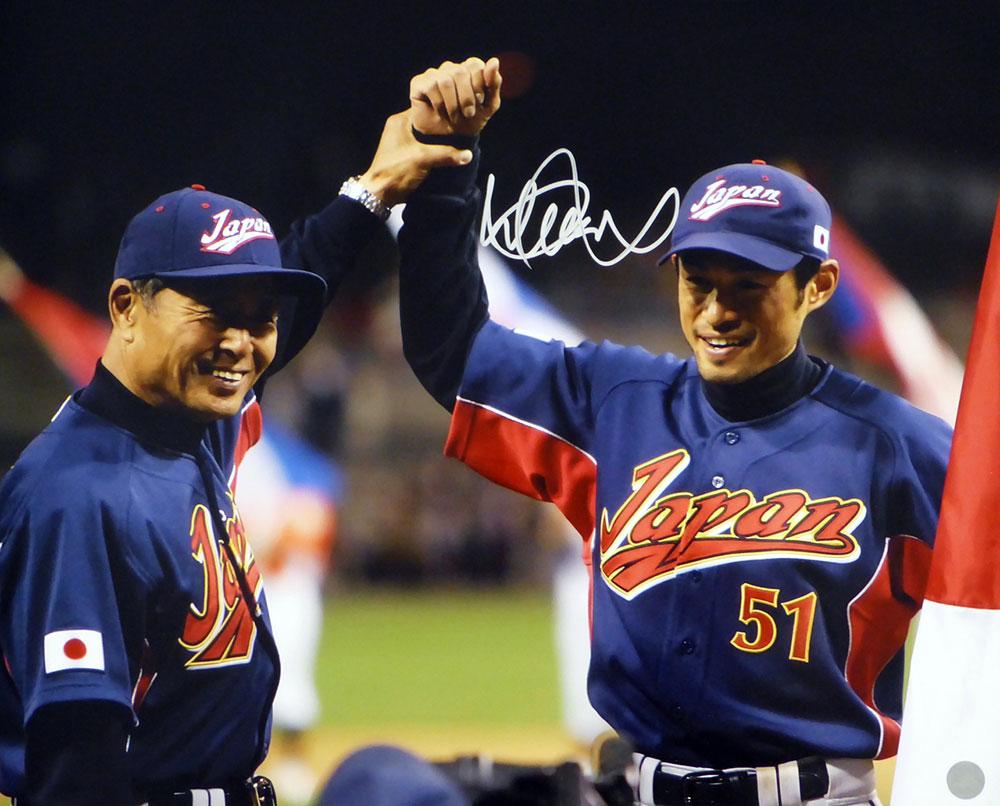 イチロー 2006 ワールド・ベースボール・クラシック w/王貞治 直筆サインフォト 16x20 (Ichiro Suzuki Autographed 16x20 Photo WBC Japan With Sadaharu Oh IS Holo Stock)