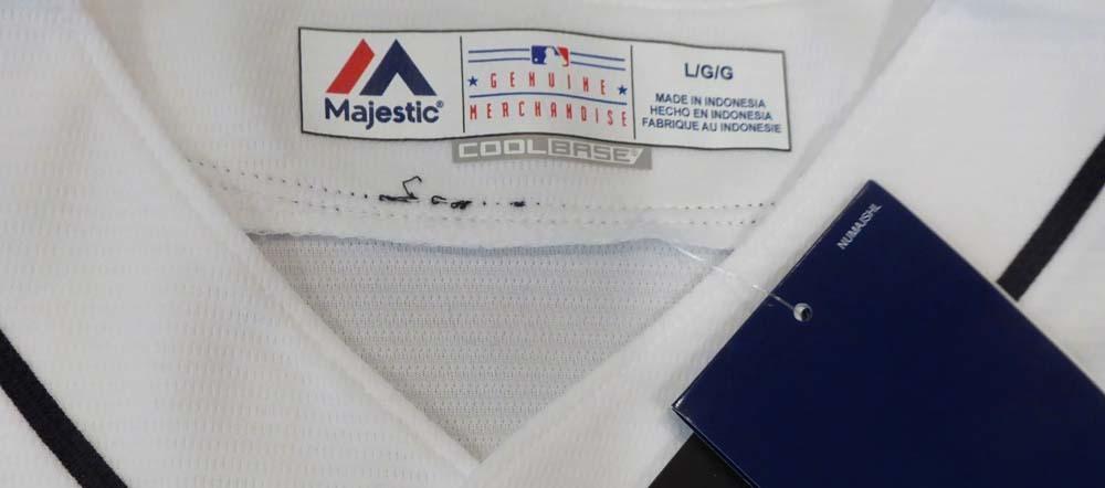 """イチロー 直筆サイン入り マリナーズ クールベース ユニフォーム ホワイト Lサイズ / Seattle Mariners Ichiro Suzuki Autographed White Majestic Cool Base Jersey """"#51"""" Size L IS Holo Stock"""