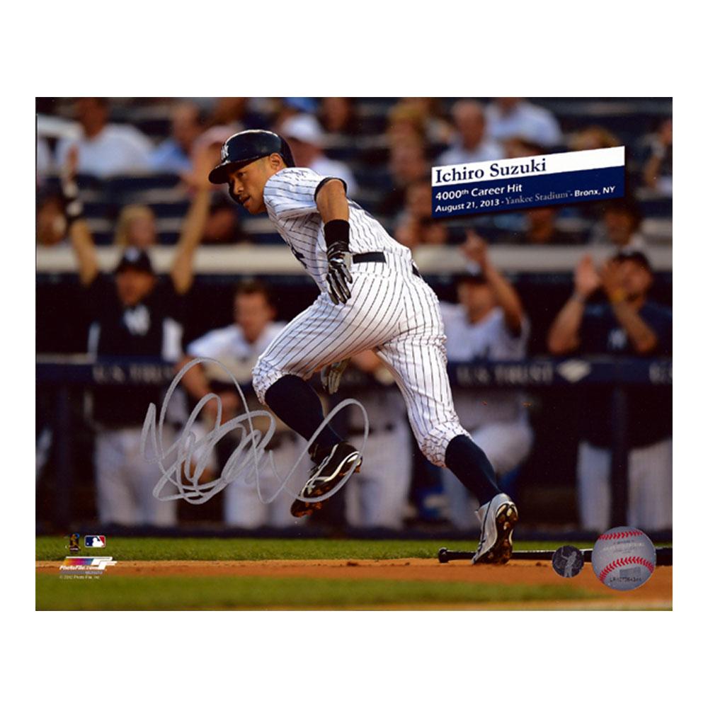 イチロー 4000本安打記念 直筆サインフォト 8x10 (Ichiro Suzuki Autographed 8x10 Photo New York Yankees 4000th Hit IS Holo Stock) 12/22再入荷