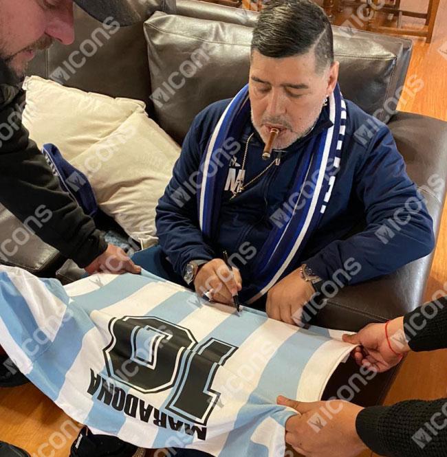ディエゴ・マラドーナ 直筆サインユニフォーム 1986 アルゼンチン代表 ホーム Diego Maradona Back Signed Argentina 1986 Home Shirt 10/21入荷!