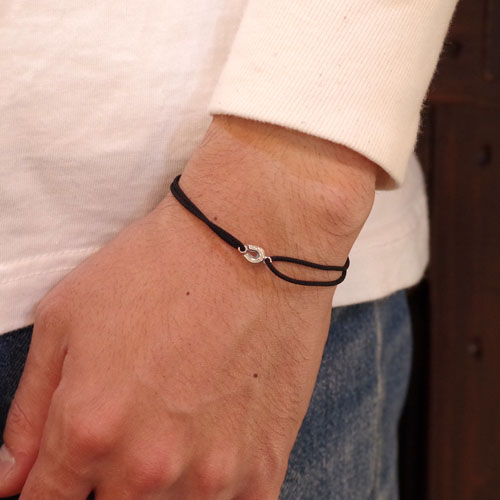 NEW SMALL HORSE SHOE CORD BRACELET K10