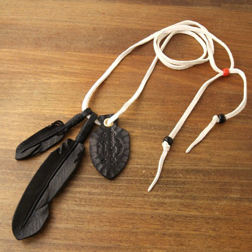 White Lace&Black Feather Necklace