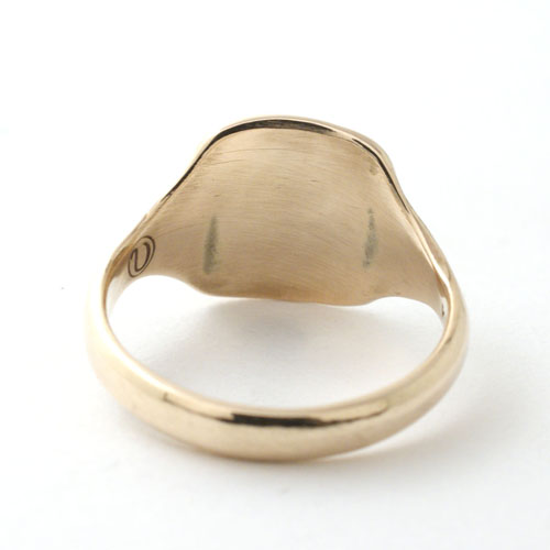 SIGNET RING ENGRAVED-GOLD