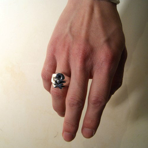 JOHNNY DEPP QUESTION RING