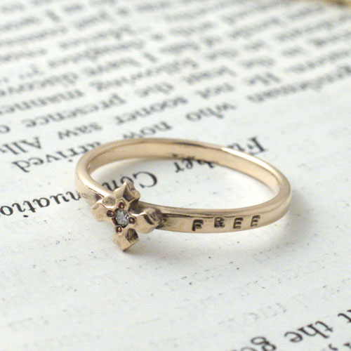 CROSS DIA GOLD RING
