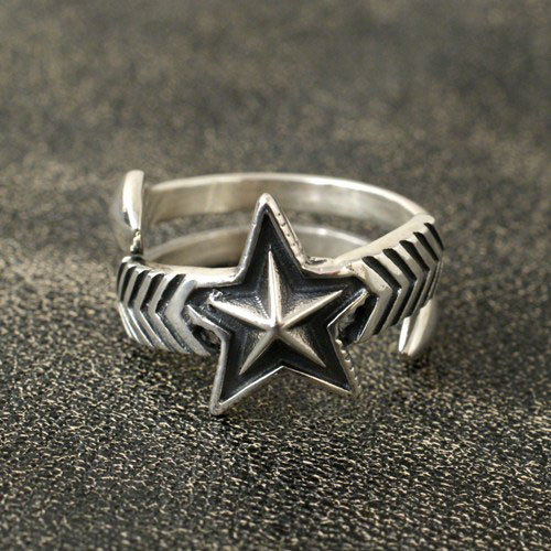W-LARGE ARROW LARGE STAR FREE RING