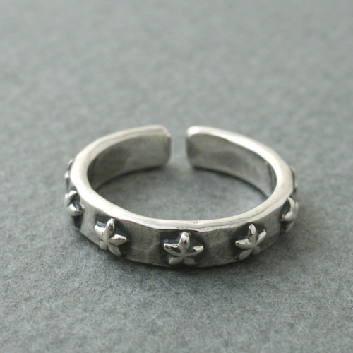 7 LUCK STAR STUDS RING