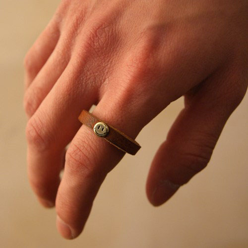 LETHER SMILE RING