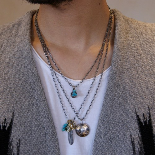 SMALL FEATHER SET NECKLACE
