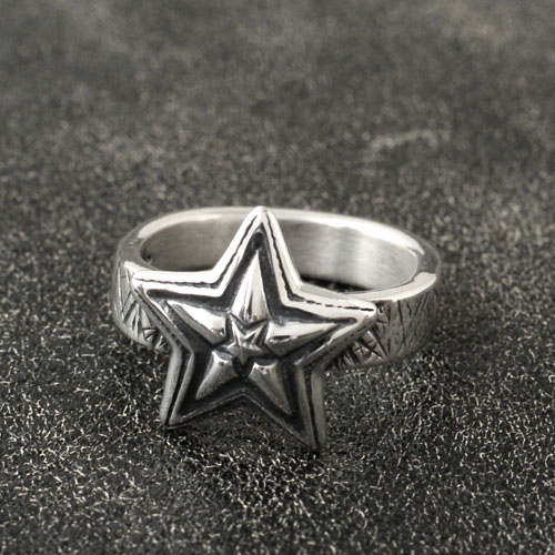 TINY STAR IN STAR CAT SCRATHSQUARE RING