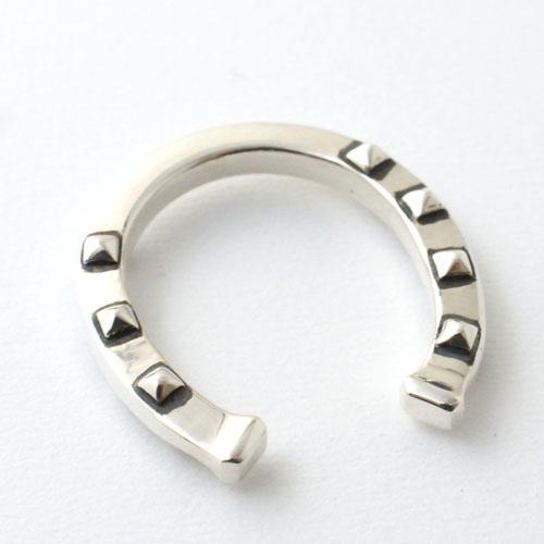 Studs Hoseshoe Ring