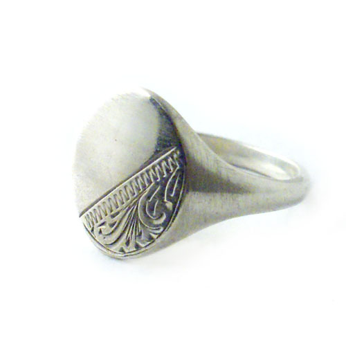 SIGNET RING OVAL LARGE