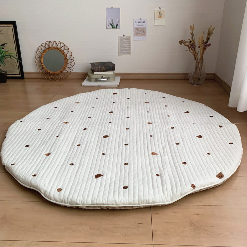 Round rugmat Embroide Bear