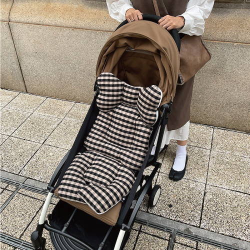 Classic-Liner_Gingham Black and Beige