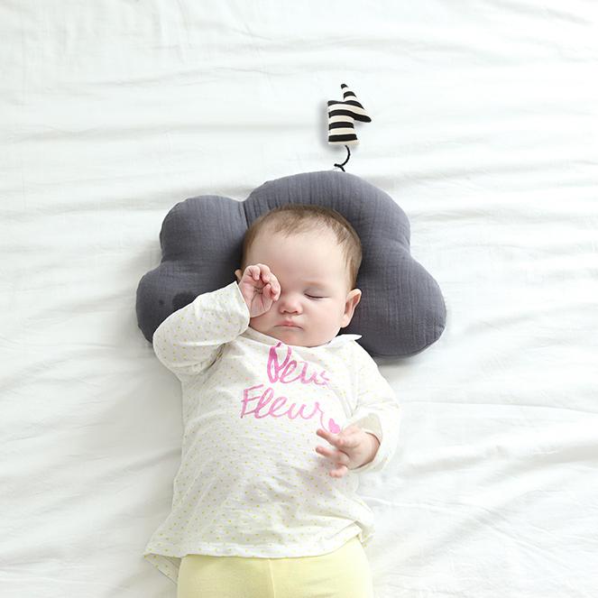 Play Pillow / Gray