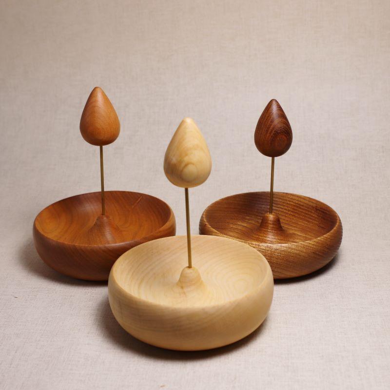 木のアクセサリートレイ