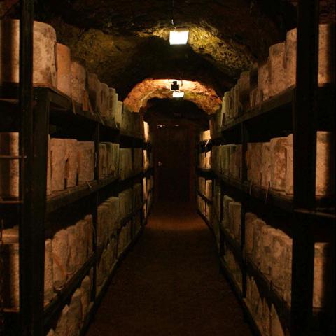 洞窟熟成ファームハウスチェダー