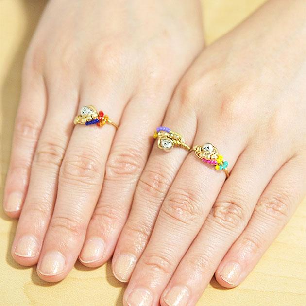 ボヘミアン 全3色 スカルモチーフ マルチビーズ リング 指輪 Skull with Multi-Color Glass Beads Ring (Gold)