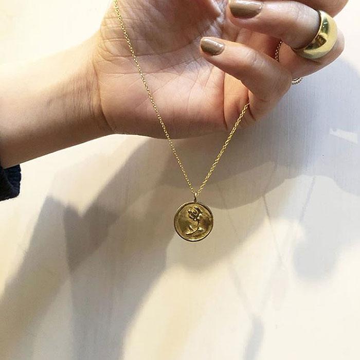 バラ 薔薇 メダリオン サークル コイン ネックレス Rose Coin Necklace (Gold)