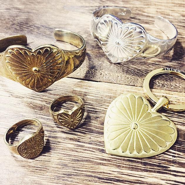 ネイティブ ハート ゴールド コンチョ リング Native Heart Concho Ring (Gold)