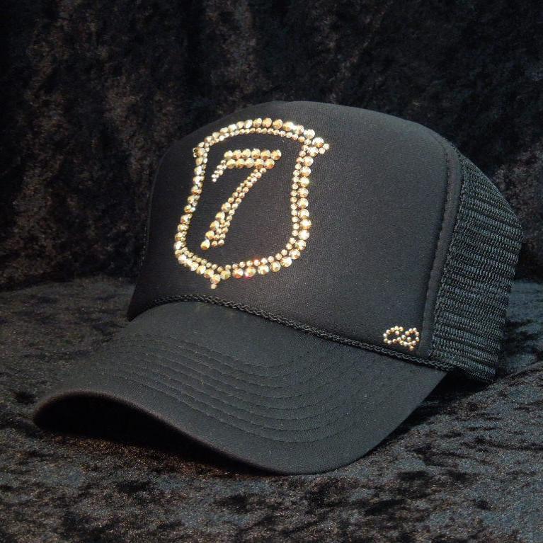 Emblem Seven Swarovski cap Black×Gold