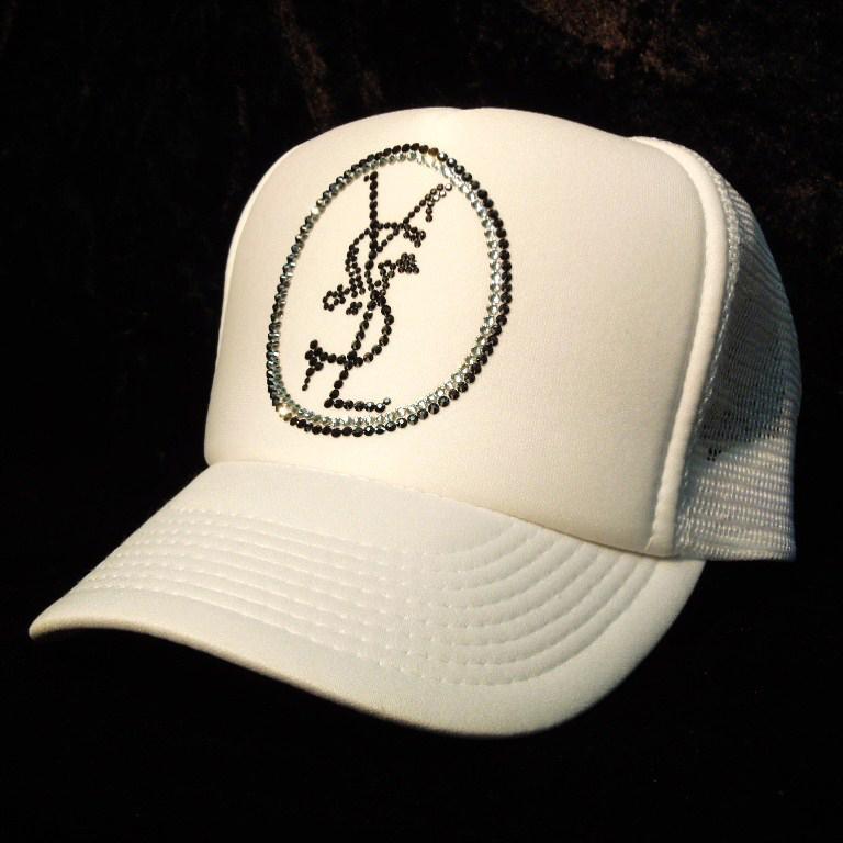 Emblem crash melt Swarovski cap White