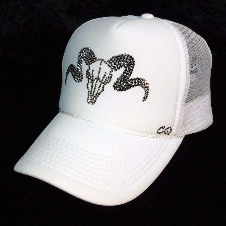 Skull Sheep Swarovski cap white