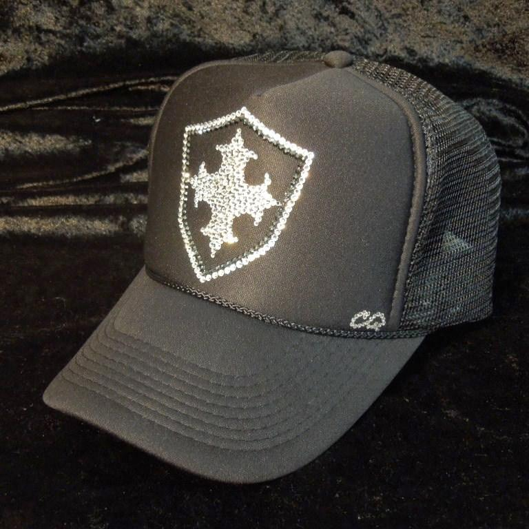 Emblem cross motif Swarovski cap Black