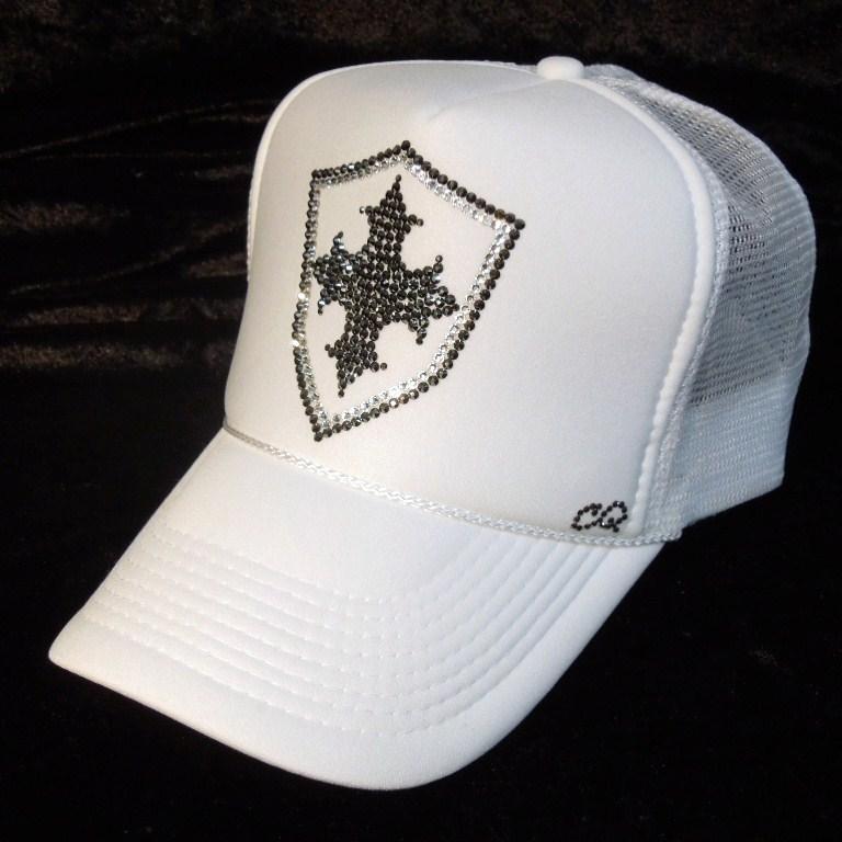 Emblem cross motif Swarovski cap  white