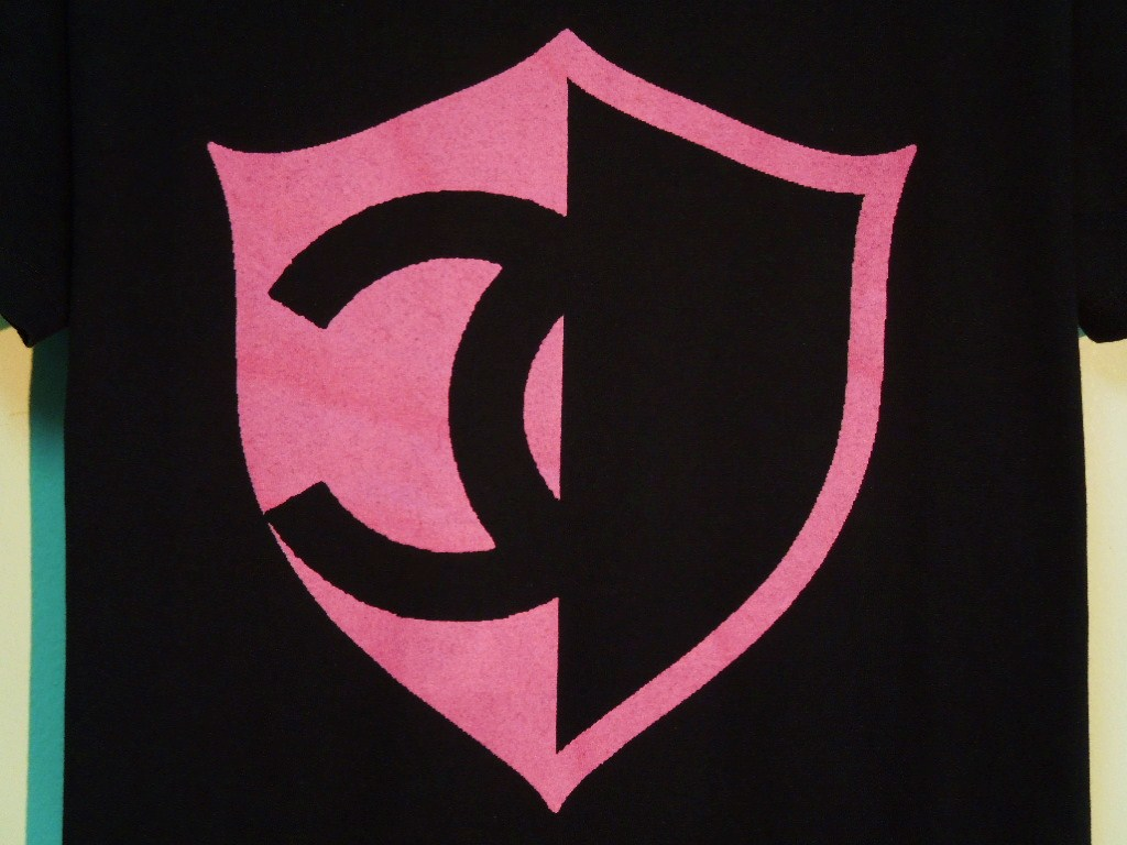 Half CQ emblem T-shirt Black×Pink