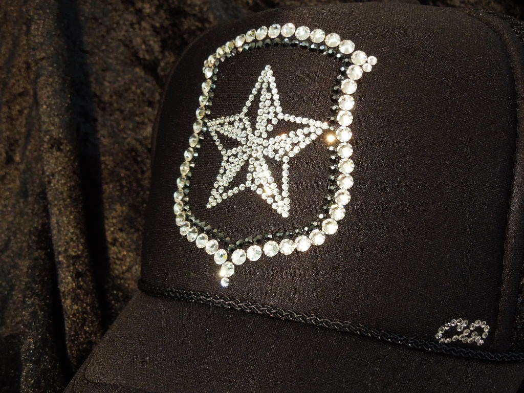 Rock star emblem Swarovski cap black