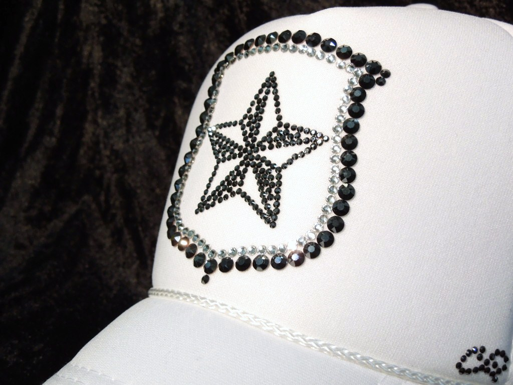Rock star emblem Swarovski cap White