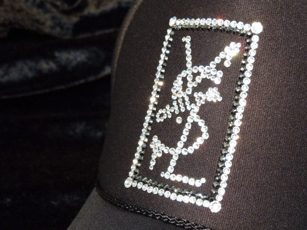 Square parody crash Swarovski cap Black