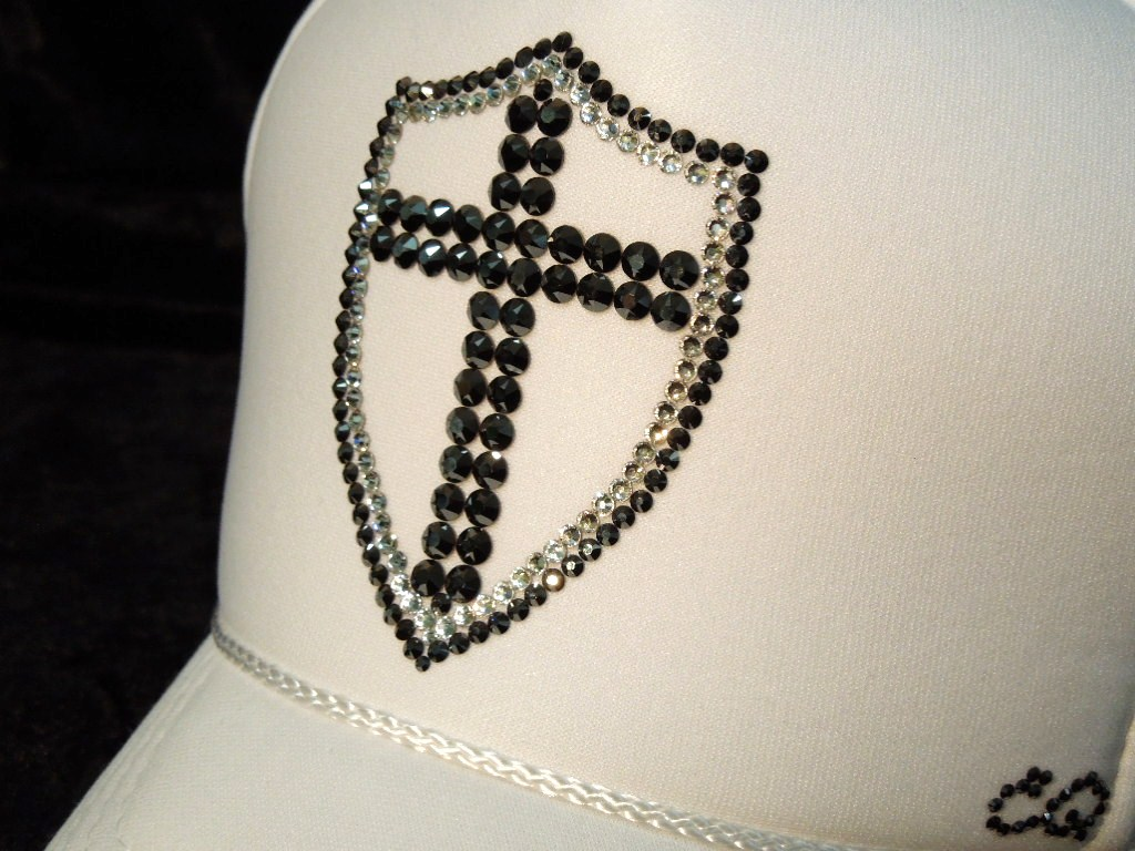 Emblem Cross Swarovski Cap White
