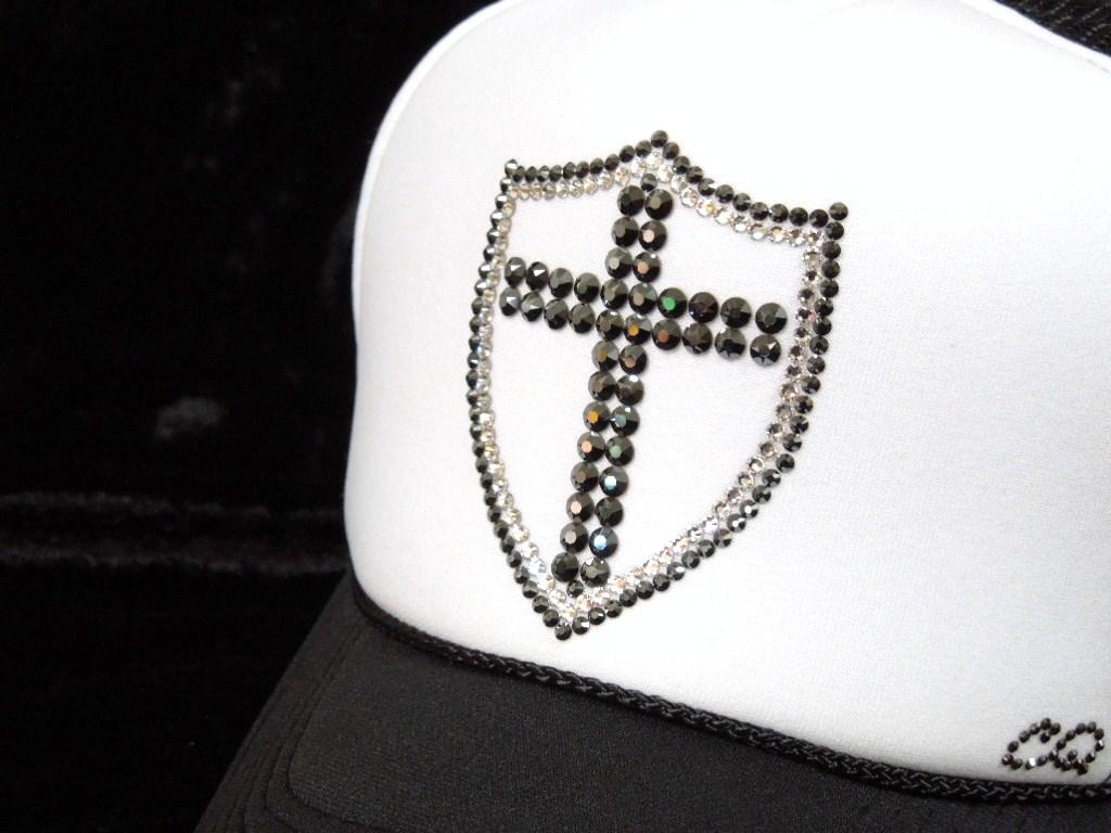 Emblem Cross Swarovski Cap Black&White Cap