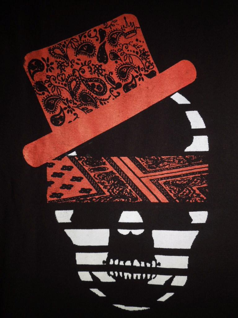 スカル ハット ペイズリー柄 Tシャツ / Black×Red