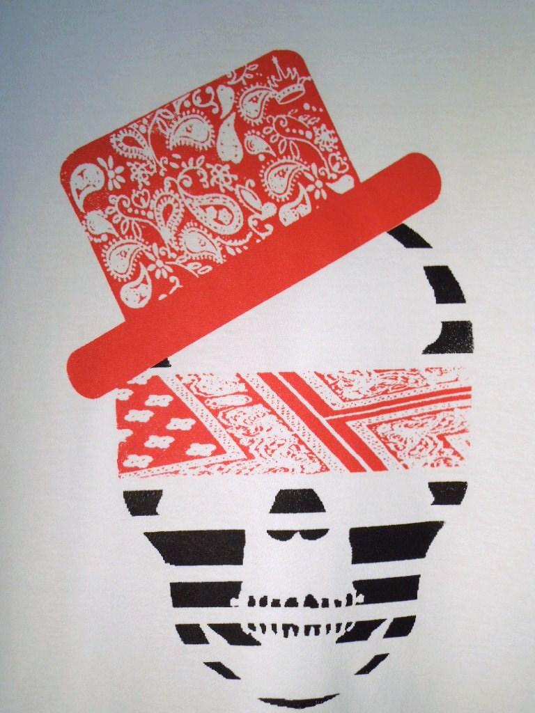 スカル ハット ペイズリー柄 Tシャツ / White×Red