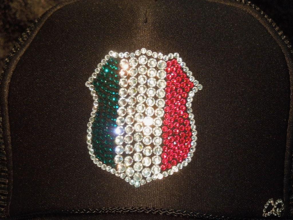 emblem Swarovski Italy style cap Black
