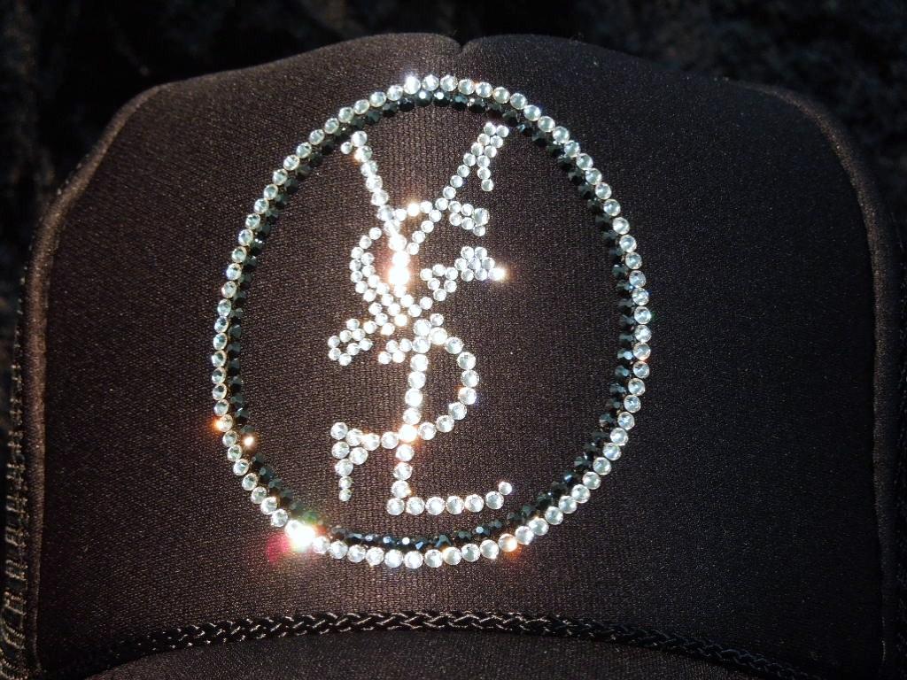 Emblem crash melt Swarovski cap black
