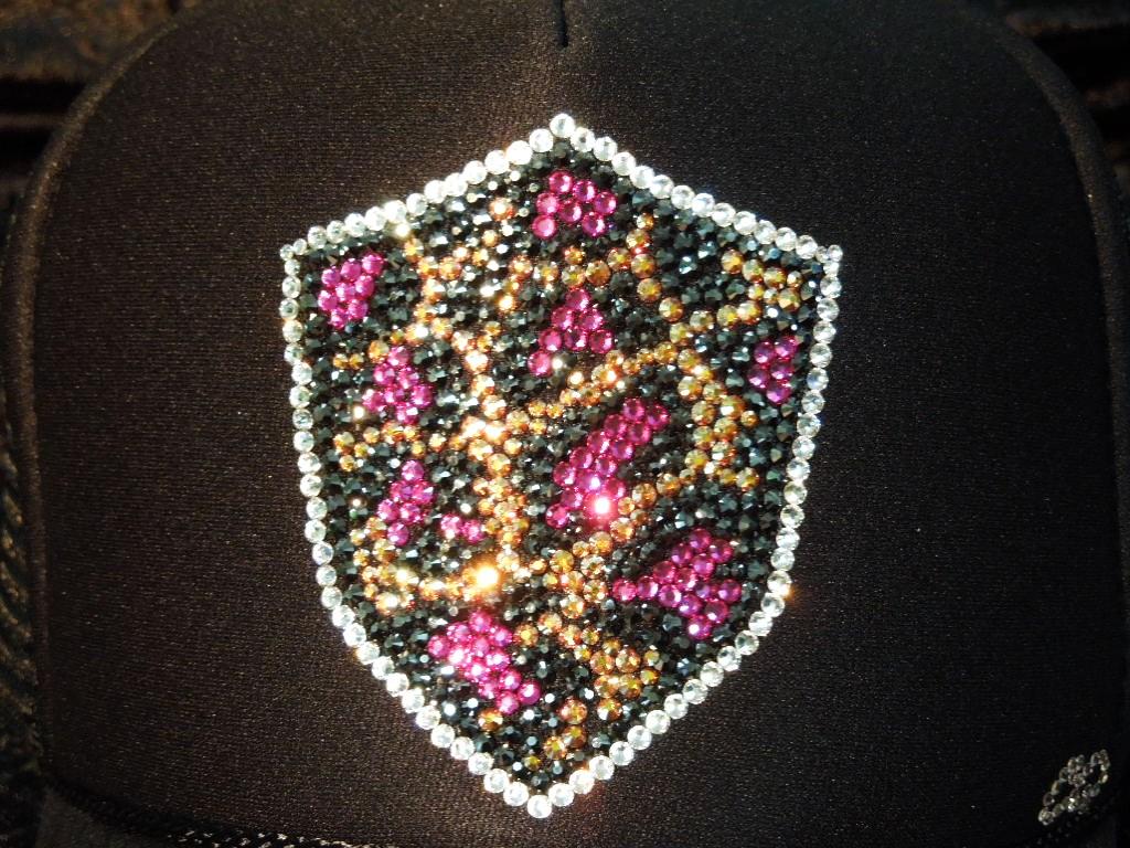 Leopard emblem Swarovski cap black