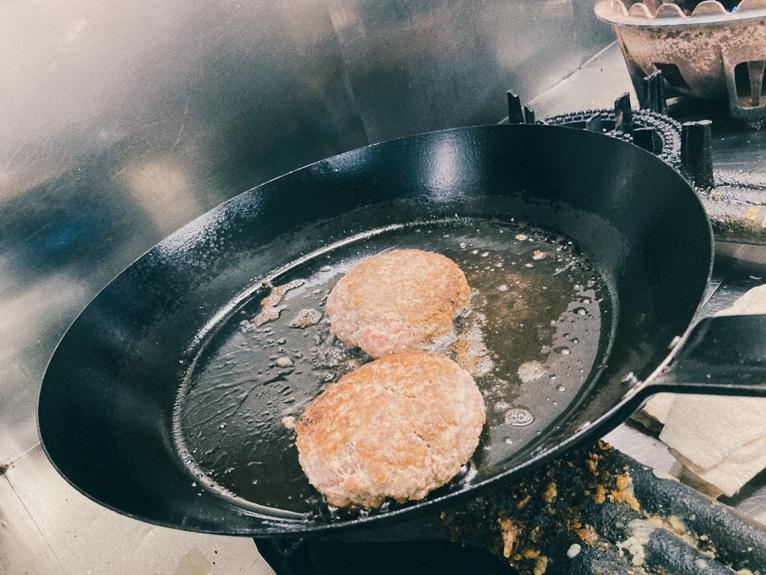 【今だけ割引!】近江牛100%ハンバーグステーキ5個入り