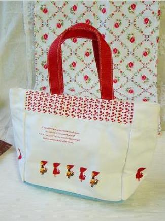 Shinzi Katoh Tittie Red Hood  ランチバッグ