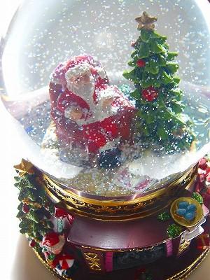 """★【暖炉が灯る♪雪が舞う♪音も綺麗♪】 スノードーム LED ミュージックアラウンド 【ジョイフルサンタ 】 <クリスマスソングメドレー""""電子オルゴール8曲""""つき> ★★"""