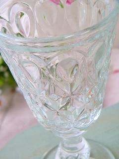フランスからやってきた、丈夫でお洒落なグラスです♪ティアドロップの模様がとても涼しげです【フランス製(ラ・ロシェール)<ティアドロップ ワイングラス>】