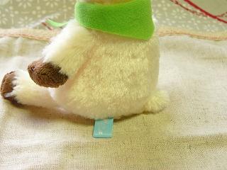クローゼットに住むオカシな動物「Woolly Clouds(ウーリークラウズ)」シリーズ:<アルパカ(座り)>