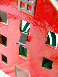 北欧テイストの 陶器の蚊遣り 縦型 ノルディックデコ <ハウス【マスタードイエロー】>