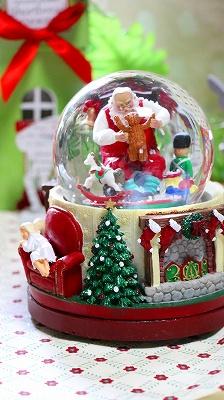 【回る♪♪雪が舞う♪♪スノードーム!】<Xmas(クリスマス)>スノードーム・【サンタ&プレゼント】