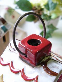 北欧テイストの 陶器の蚊遣り 縦型 ノルディックデコ <ハウス【レッド】>