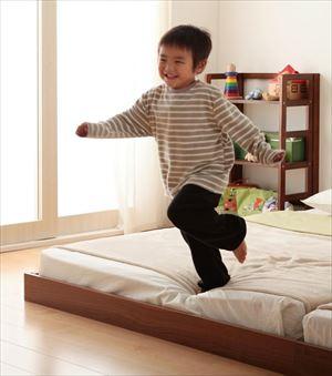 ダブル【プレミアムボンネルコイルマットレス付き】家族ベッド連結ベッドシンプルフロアベッド【Grati】グラティー